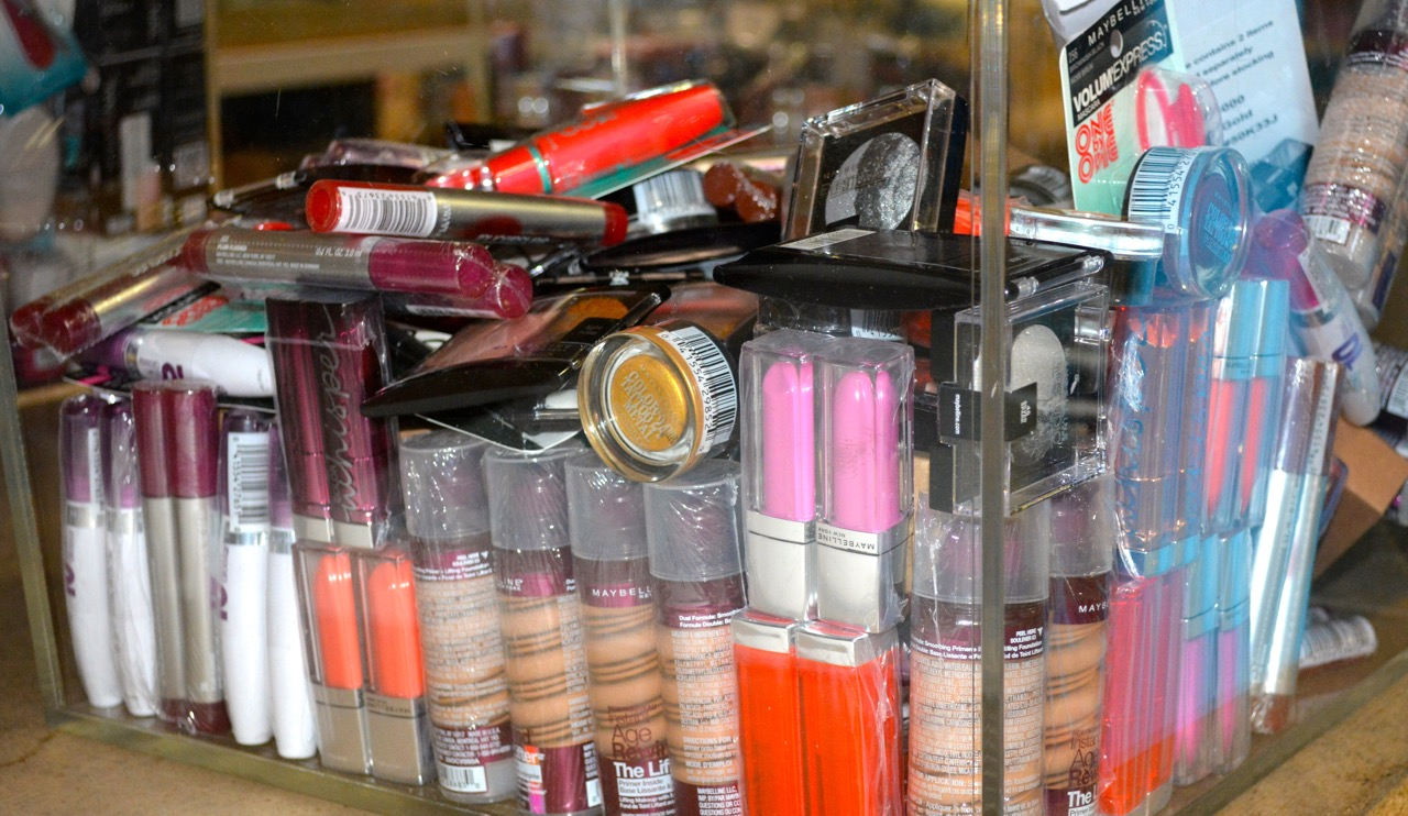 big lots wholesale maybelline cosmetic lots maybelline 10104