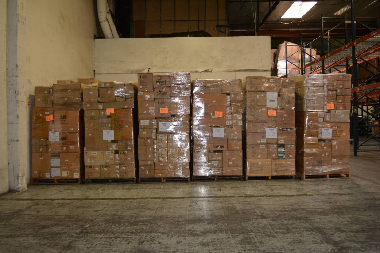 Via Trading   Wholesale Discount Outlet Truckloads   Wholesale ...